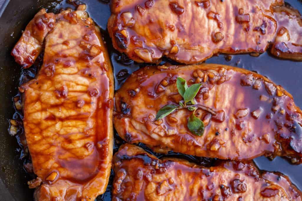 Featured image of honey garlic pork chops.